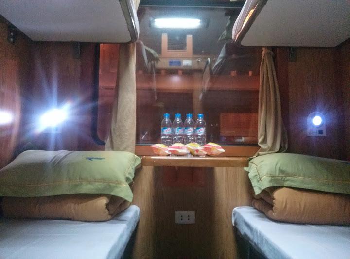 Cabin 4 giường điều hòa ốp gỗ