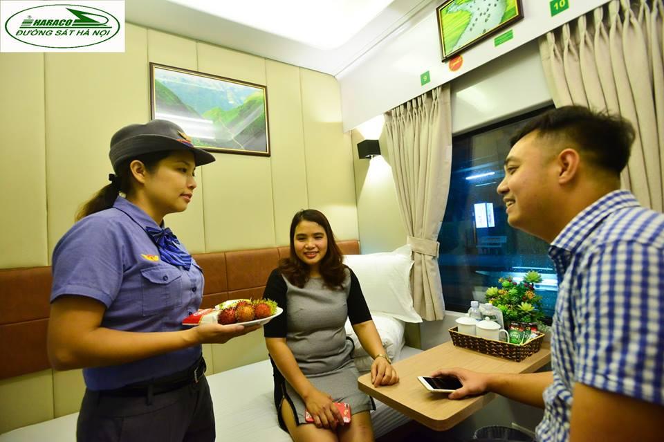 SP4 / Tàu nhanh Lào Cai - Hà Nội